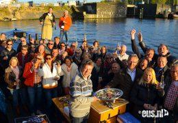 Salonboot-of-sloep-varen-door-Amsterdam