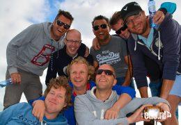 Jachtzeilen-met-vrienden-op-het-IJsselmeer