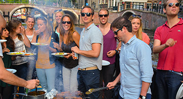 Rondvaart-en-barbecue-in-Amsterdam