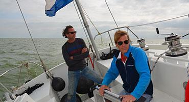 Wedstrijdzeilen-op-het-IJsselmeer