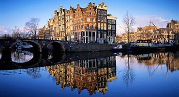 Rondvaart-Amsterdam-grachten