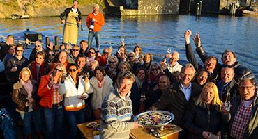 Rondvaart-met-vrienden-door-Amsterdam