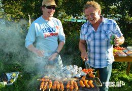 Zeilen-en-barbecue-met-familie